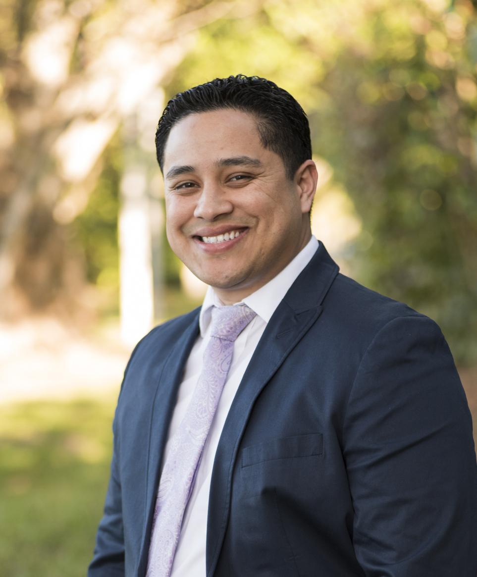 Elvin Villalobos, REALTOR® SRE Specialist